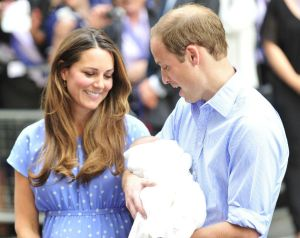 fa7e937e-6233-4d51-8a28-ef4b086489fe_Royal-baby-first-pictures-Kate-Middleton-Prince-William-Lindo-Wing-1